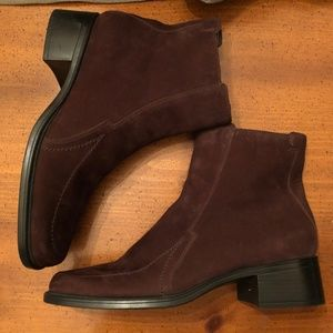 NWOT Aerosoles Brown Suede Chicadelic Ankle Boots